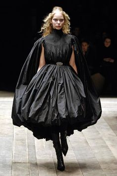 ♥ Romance of the Maiden ♥ couture gowns worthy of a fairytale - Alexander McQueen