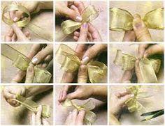Resultado de imagem para como fazer lacinhos para lembrancinhas de casamento
