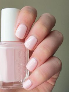 Personally, we feel that Essie nail polish lasts the longest if you don't opt for Gel. We are loving the soft pink above of Essie, Fiji. You can see more Essie colors over at Lofty Appetite. Fiji Nails, Vernis Rose Pale, Cute Nails, Pretty Nails, Fancy Nails, Hair And Nails, My Nails, Wedding Day Nails, Wedding Nails