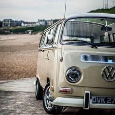 Our restored 1971 VW Early Bay Sunroof Deluxe 7 seater microbus. Vw Bus T2, Volkswagen Bus, Vw Camper, Combi Vw T2, Vw Commercial, Mazda Bongo, T2 T3, Pumpkin Pictures, Vw Classic