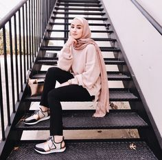 How to Pull Off Sneakers With Hijab Outfit - hijab style Modern Hijab Fashion, Street Hijab Fashion, Hijab Fashion Inspiration, Muslim Fashion, Trendy Fashion, Womens Fashion, Latest Fashion, Hijab Casual, Hijab Chic