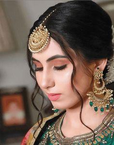 Pakistani Bridal Hairstyles, Bridal Hairstyle Indian Wedding, Indian Bridal Photos, Indian Wedding Makeup, Bridal Hair Buns, Indian Bridal Outfits, Indian Bridal Fashion, Indian Fashion Dresses, Indian Hairstyles