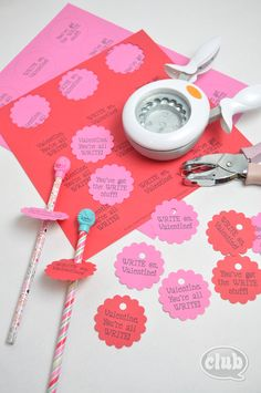 Easy Homemade Valentines Card Idea For Kids Tween Craft Ideas Wallpaper My Funny Valentine, Homemade Valentine Cards, Valentine Crafts For Kids, Valentines Diy, Holiday Crafts, Holiday Fun, Valentine Stuff, Creative Crafts, Diy Crafts