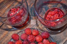 Budinca de chia cu zmeura - CAIETUL CU RETETE Smoothies, Raspberry, Food And Drink, Fruit, Drinks, Diet, Smoothie, Drinking, Beverages
