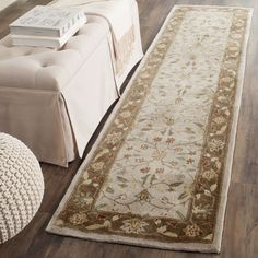 Safavieh Hand-hooked Total Perform / Taupe Rug