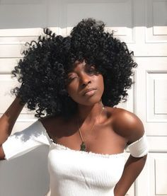 Image about hair goals in Drenched in Melanin, Dipped in gold❤ by Quo. Long Natural Hair, Natural Hair Journey, Natural Glow, Curly Hair Styles, Natural Hair Styles, Perm Rod Set, Crochets Braids, Curly Fro, Natural Hair Inspiration