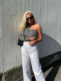 Pepita Pattern  #Blogger #SophieMoss #SophieeMoss #Norwegian #English #Flightattendant #Fashionblogger #Travelblogger Jean Shirts, About Me Blog, English, Pattern, Tops, Women, Fashion, Tricot, Moda