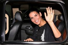 "Angie Harmon Photos Photos - It's a busy day on ""Live! with Kelly""!. - Celebs on 'Live! with Kelly'"