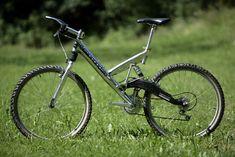 Cannondale Super V 1000 carbon 1995 - Technika - Redakční foto - Fotogalerie Delta V, Cannondale Bikes, Mt Bike, Aztec Art, Cool Bikes, Bicycles, Mountain Biking, Cycling, Vehicles