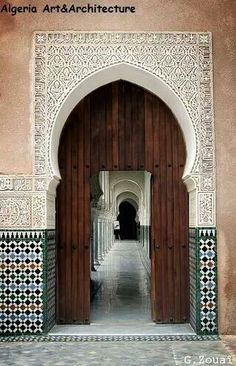 Beautiful Islamic art in Tlemcen City, Algeria Islamic Architecture, Art And Architecture, Architecture Details, Art Marocain, Moroccan Design, North Africa, Islamic Art, Door Design, Marrakech