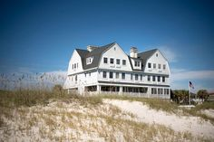 The South's Charming Inns: Elizabeth Point Lodge