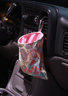 62 Clever Cool Diy Car Trash Can Ideas Messy People More click […] Clever Cool Diy Car Trash Can Ideas Messy People Car Accessories 52 Clever And Coo Sewing Hacks, Sewing Tutorials, Sewing Crafts, Sewing Projects, Sewing Patterns, Car Crafts, Serger Projects, Sewing Tips, Diy Car Trash Can