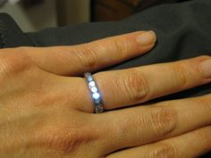 Engineer Ben Kokes created this incredible engagement ring featuring LEDs that light up when he and his fiance hold hands. He also documented the process in great detail, just in case anyone else wants to take a crack at making one! Geek Wedding, Wedding Bands, Wedding Ring, Wedding Ideas, Fall Wedding, Wedding Stuff, Dream Wedding, Lumiere Led, Wearable Technology