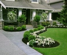 Small yard landscaping ideas design your front yard,for garden design front garden landscaping,front house garden design ideas front of house planting design. Front Yard Walkway, Small Front Yard Landscaping, Front Yard Design, Front Yard Tree Ideas, Driveway Border, Front Stoop, Brick Walkway, Driveway Entrance, Entrance Ways