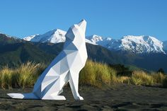 "New Zealand-based artist Ben Foster creates incredible low polygon-like sculptures of animals. ""My works are a culmination of the natural and the manmade - a careful balance of form and motion."" - Ben Foster More low polygon art via Airows Geometric Sculpture, Art Sculpture, Sculpture Images, Organic Sculpture, Garden Sculpture, Animal Statues, Animal Sculptures, Deco Design, Art Design"