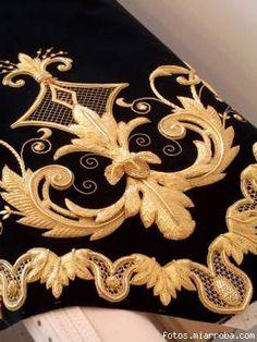 золотное шитье. Обсуждение на LiveInternet - Российский Сервис Онлайн-Дневников Couture Embroidery, Gold Embroidery, Embroidery Needles, Embroidery Patterns, Machine Embroidery, Lesage, Gold Work, Embroidery Techniques, Handicraft