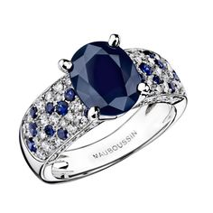 Saphir d'Amour ring, by Mauboussin. White gold, Australian sapphire, diamonds and sapphire pavé