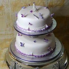 2 tier cake with butterflies