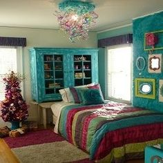 7 Upcycled DIY Ideas to Decorate a Tween or Teen Girl's Bedroom. For Hayden....love the mirrors and frames