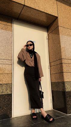 Casual Hijab Outfit, Ootd Hijab, Girl Hijab, Hijab Fashion Summer, Teen Fashion, Fashion Outfits, Modest Outfits, Trendy Outfits, Simple Hijab