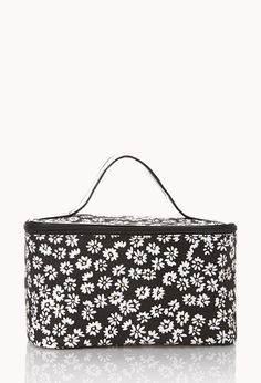 Forever 21 is the authority on fashion & the go-to retailer for the latest trends, styles & the hottest deals. Makeup Case, Love Makeup, College Necessities, Mk Bags, Shop Forever, Forever 21, Cosmetic Pouch, Love To Shop, Cute Bags