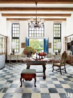 A Cape Dutch–style home in Baton Rouge, Louisiana, by architect Bobby McAlpine and interior designer Ray Booth was one of photographer Pieter Estersohn's favorite moments in AD history. Read on for more.