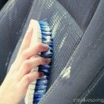 cleaning cars Clean your car on the cheap with this super easy DIY car upholstery cleaner. It brightens even the dingiest seats! Car Cleaning Hacks, Car Hacks, Cleaning Recipes, Diy Cleaning Products, Cleaning Solutions, Daily Cleaning, Cleaning Supplies, Car Upholstery Cleaner, Cleaning Car Upholstery