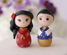 Chinese bride and groom wedding cake topper kokeshi by Chikipita