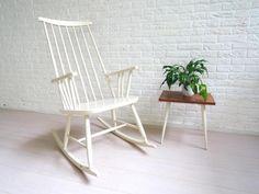 retro vintage stoel fauteuil schommelstoel pastoe jeren 70 €250