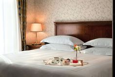 Grand Hotel Santa Lucia, Naples, Deluxe Room, Sea View, Guestroom