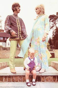 Mid August 1967. Ringo, Maureen and Zak Starkey at their home Sunny Heights in…