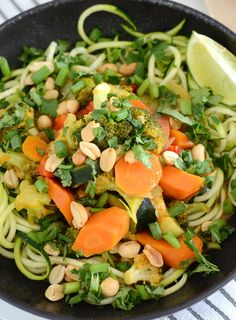 Vegetable Thai Red Curry - Easy, Healthy, Vegan, Less than 30 Minutes Gluten Free Recipes, Vegan Recipes, Vegan Food, Vegan Meal Prep, Curry Paste, Easy Weeknight Dinners, Fresh Lime Juice, Curry Recipes, Vegane Rezepte