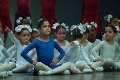 Pequeñas bailarinas #dance #ballet #niñas #infancia #baile (Foto: Leandro Pérez)  https://www.facebook.com/CubanosGuru/