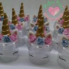 Little containers to put candy in Unicorn Birthday Parties, Girl Birthday, Biscuit, Unicorn Baby Shower, Unicorn Crafts, Mason Jar Crafts, First Birthdays, Party Time, Party Favors