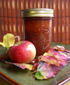 I think I will experiment with honey, agave or stevia as a sweetener instead of the sugar. Apple Recipes, Fall Recipes, Home Canning, Jam And Jelly, Apple Butter, Preserving Food, Canning Recipes, I Love Food, Preserves