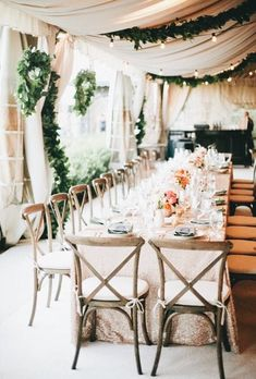 Gorgeous wedding decor. Love the dark green with the white. Would make for a beautiful winter wedding too.