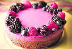 Mustaherukka-suklaakakku