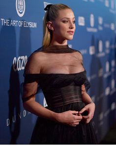 American actress Lili Reinhart, who shot to fame and popularity with her role as 'Betty Cooper' in the hit TV Series 'Riverdale', attend. Betty Cooper, Lili Reinhart, Bikini Pictures, Bikini Photos, Beautiful Celebrities, Beautiful Actresses, Cleveland, Hottest Young Actresses, Film Serie