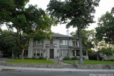 Mary Martin home Weatherford, Texas - she was the mother of Larry Hagman - aka - JR Ewing! Weatherford Texas, Larry Hagman, Mary Martin, Texas And Oklahoma, Texas Things, I Dream Of Jeannie, Living In Colorado, Rich Home, Texas Travel