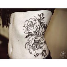 For @ullibraunfels  #tattooistartmag #tattrx #tattoos_allday #tattooistartmagazine #tattoofreakz_dot_com #tattoopins #blackwork #blacktattoo #btattooing #blackinktattoo #blxckink #blacktattooart #blacktattooart #blacktattooing #lovettt #flowerstattoo #flowers #peonytattoo