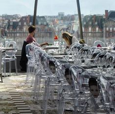 Top 35+ des restaurants insolites et originaux à Paris | Topito Restaurant Paris, Paris Restaurants, Resto Paris, Paris France, Travel, France Vacations, Originals, Exit Room, Voyage