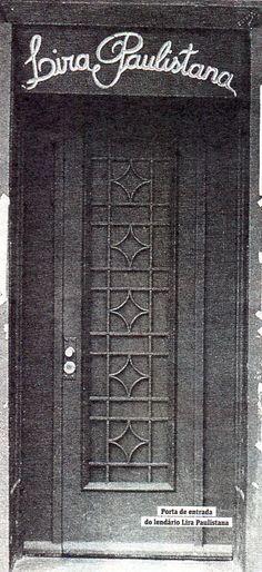 Década de 70 - Teatro Lira Paulistana, Praça Benedito Calixto, bairro de Pinheiros.
