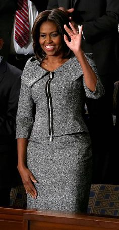 First Lady Michelle Obama in a beautiful tweed Michael Kors suit, perfect for any event including the State of the Union! Michelle Obama Fashion, Barack And Michelle, African Fashion Dresses, African Dress, First Ladies, Michael Kors, Skirt Suit, Tweed, Designer