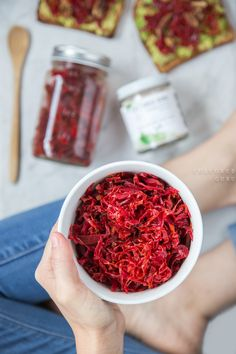 What makes sauerkraut an even more super superfood? Ginger and Beets, of  course!Raw sauerkraut is packed with probiotics, prebiotics and plant  fiber. With beets and ginger in the mix you get all of that plus  anti-inflammatory benefits and tons of vitamins and nutrients for a strong  nourishe