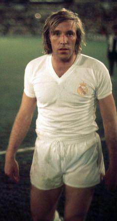 Günter Netzer, Real Madrid. World Football, Vintage Football, Sports Stars, Sport Casual, Messi, Champion, The Past, Polo Ralph Lauren, Soccer Teams