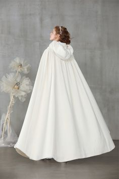 white cloak with a hoodie Winter Wedding Coat, Wedding Cape, Bridal Cape, Wedding White, Pageant Dresses, Ball Dresses, Ball Gowns, Flower Girl Dresses, 15 Dresses
