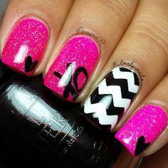 Rose, Noir et Blanc avec XO, Heart, et Chevron Nail Art Design - Ongles 03 Fabulous Nails, Gorgeous Nails, Pretty Nails, Get Nails, Fancy Nails, Pink Nails, White Nails, Nail Art Designs, Chevron Nail Art