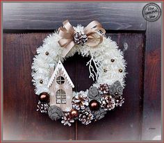 Pink Christmas Decorations, Christmas Door Wreaths, Christmas Centerpieces, Holiday Wreaths, Christmas Ornaments, Wreath Crafts, Christmas Projects, Holiday Crafts, Christmas Makes