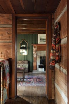 GALLERY BENJAMIN VANDIVER INTERIORS + LIFESTYLE Cabin interiors Interior inspiration