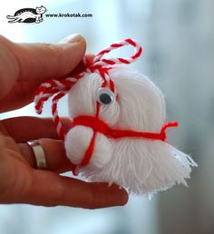 Horse head from thread DIY Yarn Crafts, Diy And Crafts, Crafts For Kids, Arts And Crafts, Christmas Tree Ornaments, Christmas Crafts, Yarn Dolls, Horse Crafts, Beautiful Christmas Trees